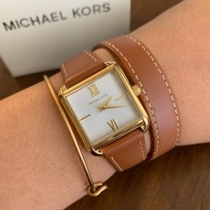New MK leather watch 🍂